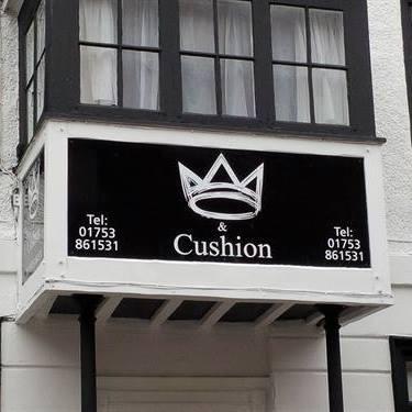 the-crown-cushion-thumbnail